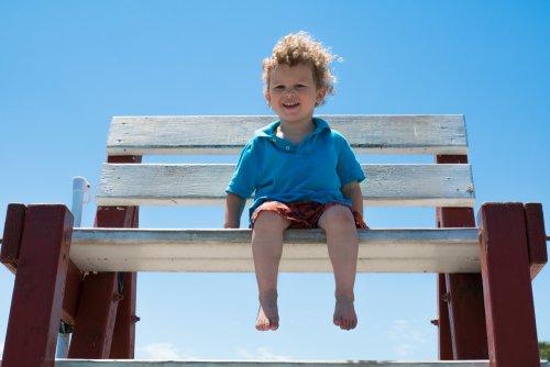 7 Benefits of Walking Barefoot for Children