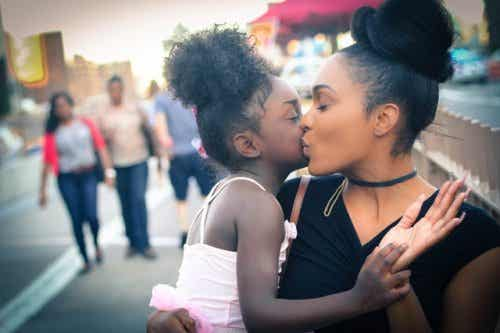 5 Keys To Develop a Healthy Bond Between Mother and Child