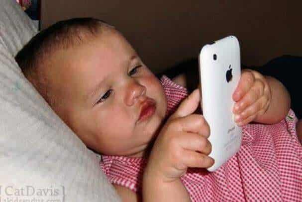 How iPads and Smart Phones Affect Children Under 2