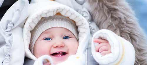 4 Tips for Keeping Your Baby Warm