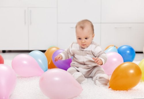 7 Activities with Colorful Balloons for You and Your Baby