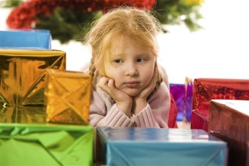 7 Reasons To Not Give Your Child Too Many Toys
