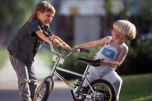 Teach Your Child How They Should React If Another Child Hits Them
