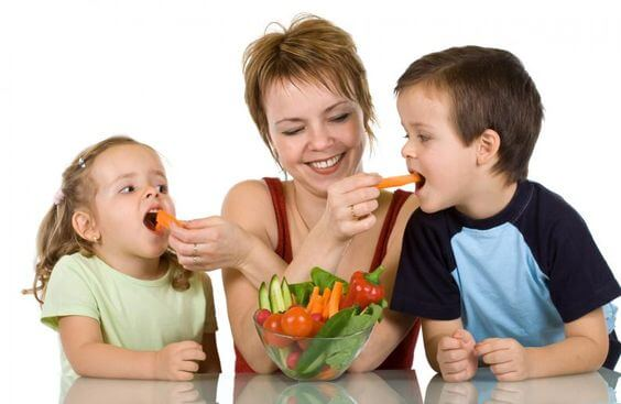 children boosting their immune system with nutritious diet