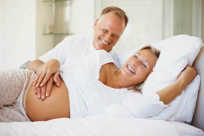 couple-pregnancy at an older age