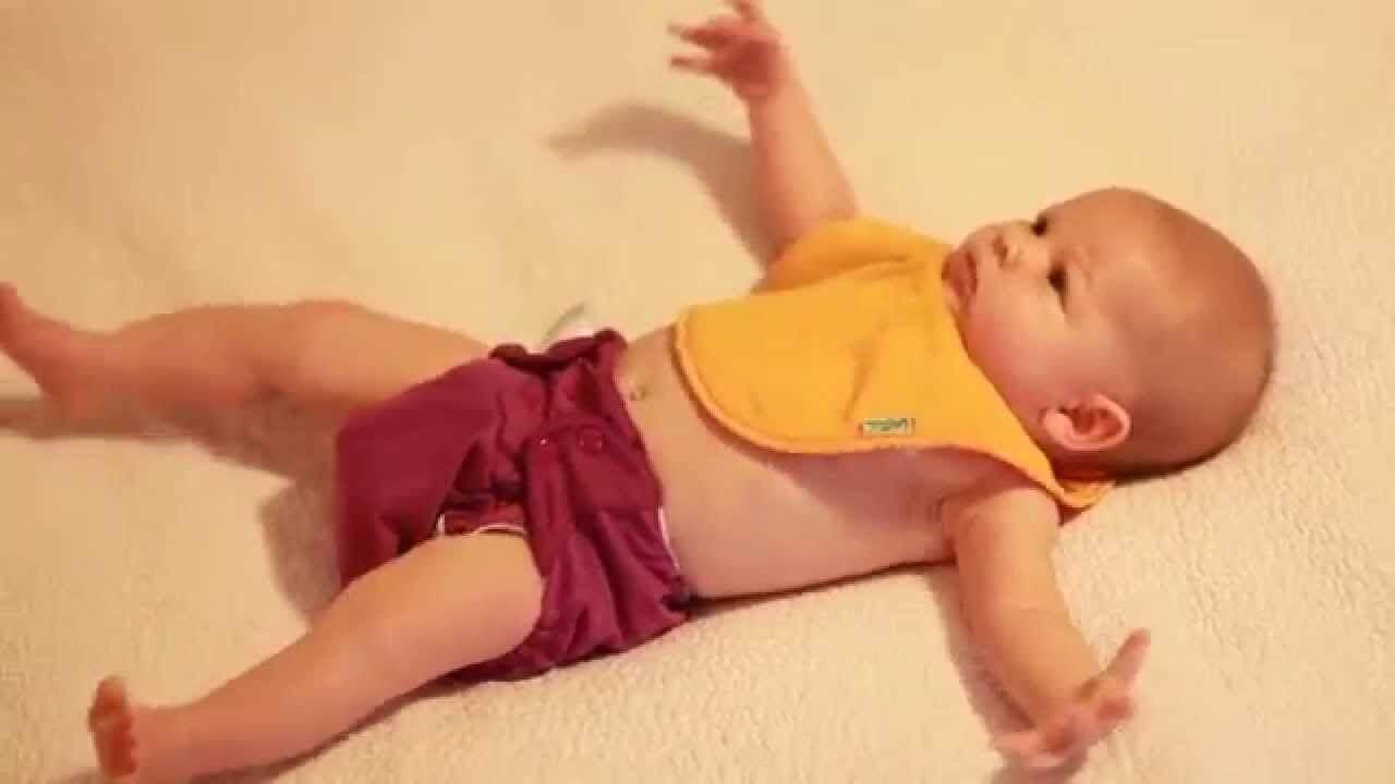 Moro-reflex-baby-bed