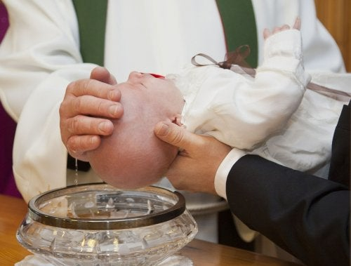 How to Organize Your Baby's Baptism the Best Way Possible