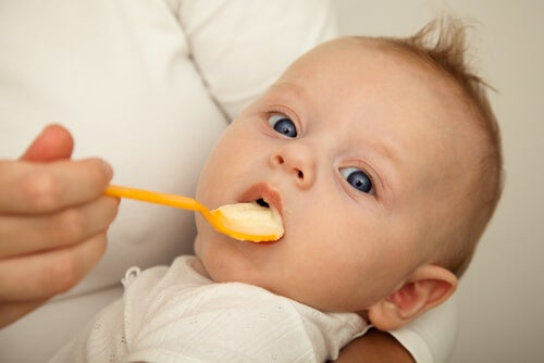 How and When to Start Your Baby on Solid Foods