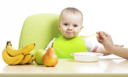 Baby's First Foods: How to Incorporate Solid Foods