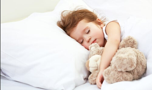 From Crib to Bed with No Tears: Sleeping Alone Can Be Easy