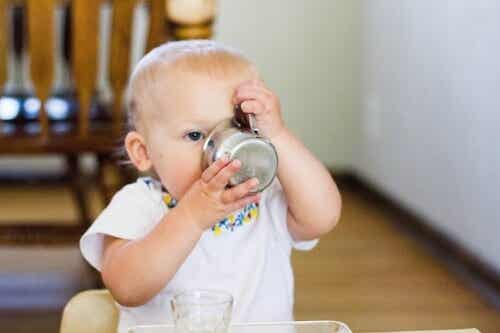 When Is the Right Time to Give Your Baby Water?
