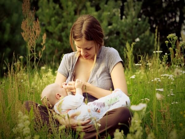 Can You Lose Weight While Breastfeeding?