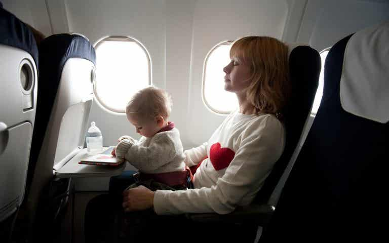 How to Care for a Newborn When Traveling
