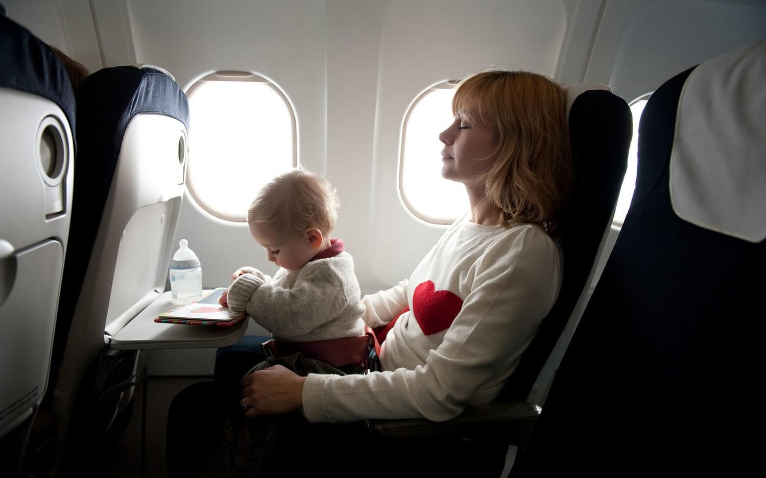 5 Travel Tips for Flying with a Baby