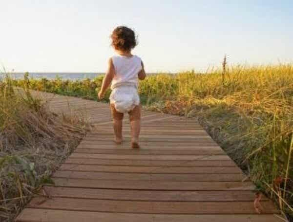 3 Exercises To Help Your Baby Learn How To Walk