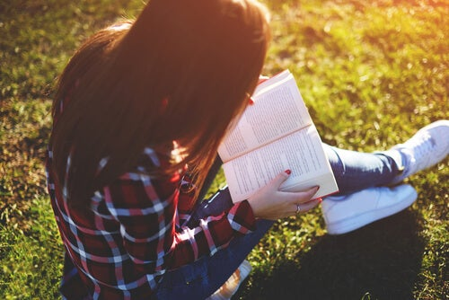 Give the Gift of Reading: The 8 Best Books for Teens