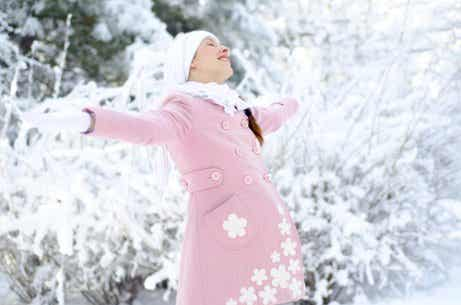 The Pros and Cons of Giving Birth in Winter