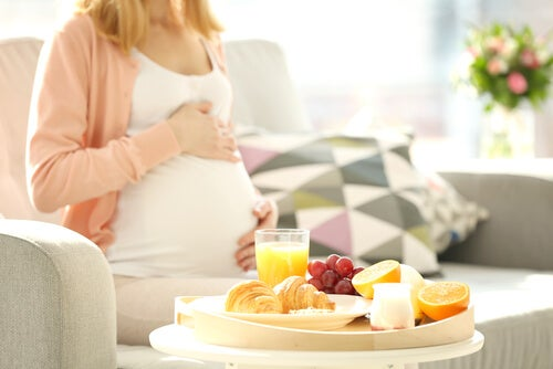 8 Foods that Pregnant Women Should Not Eat