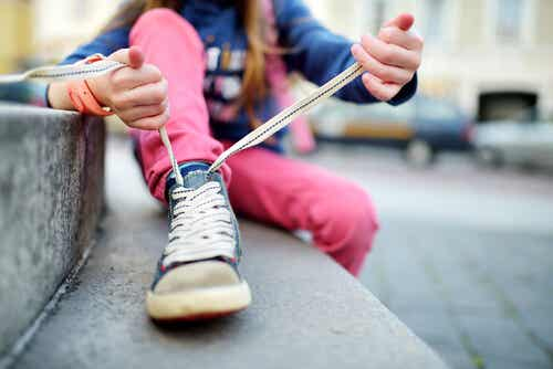 Teach Your Child How to Tie Their Shoes