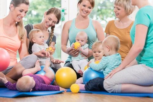 mødregruppe til babygymnastik