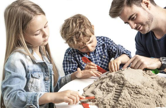 Let Your Kids Dig Their Hands into Magic Sand!
