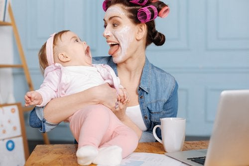 3 Ways to Entertain Your Baby throughout the Day