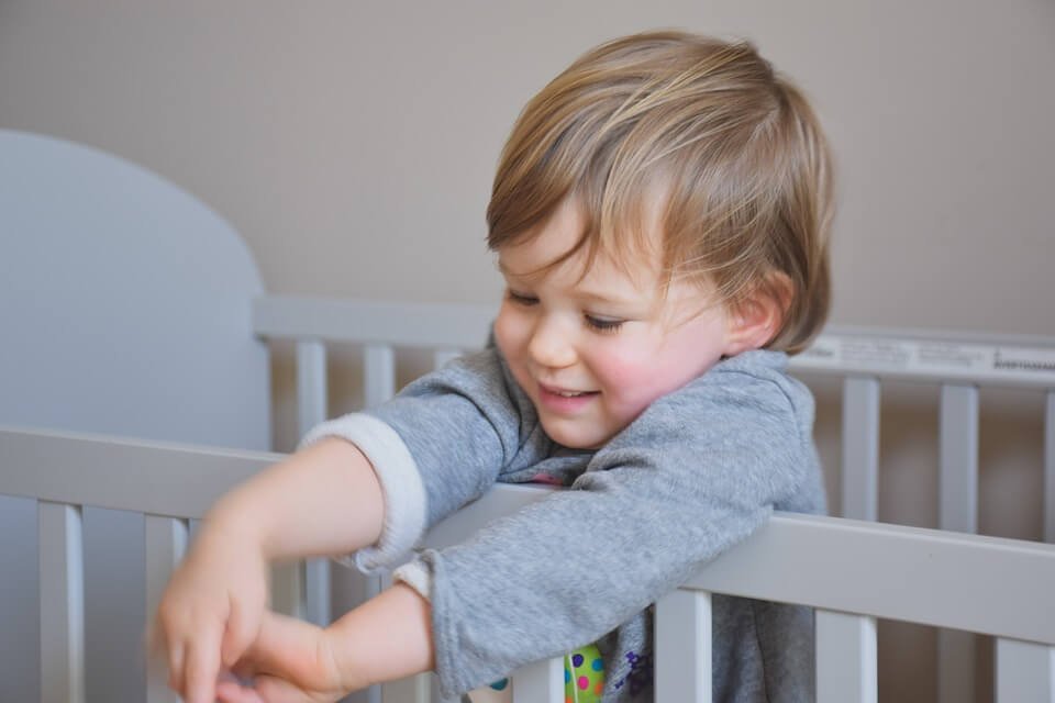 How Should Your Baby's Crib Be?