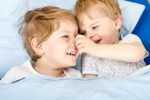 How to Avoid Jealousy Between Siblings?