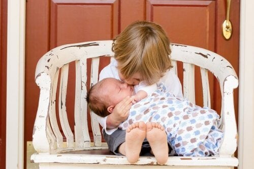Jealousy: What To Do When A New Baby Arrives