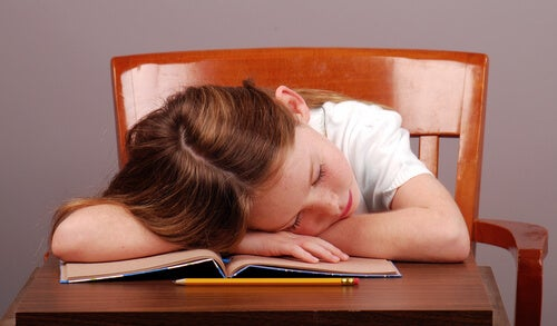 Children Who Go to Sleep Late Suffer More Disorders