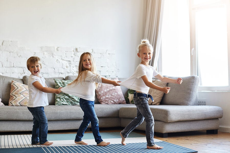 Is It Good to Let Children Walk Barefoot in the House?