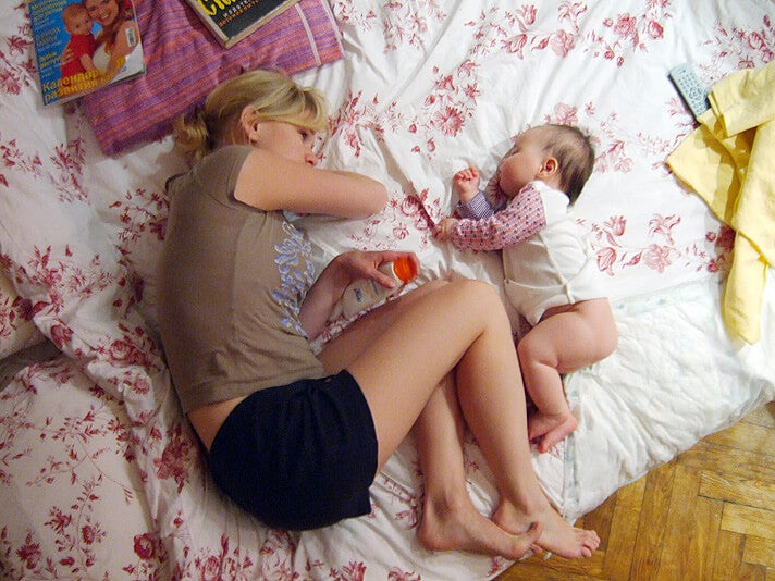 Advantages and Disadvantages of Co-Sleeping