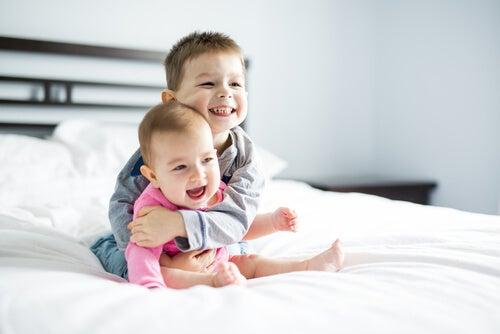 How to Avoid Jealousy between Siblings?