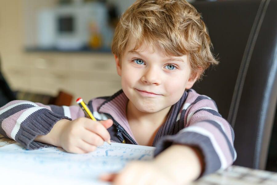 6 Tips to Teach Children to Do Their Homework on Their Own