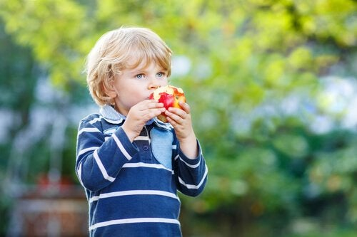7 Excuses Children Use to Avoid Eating