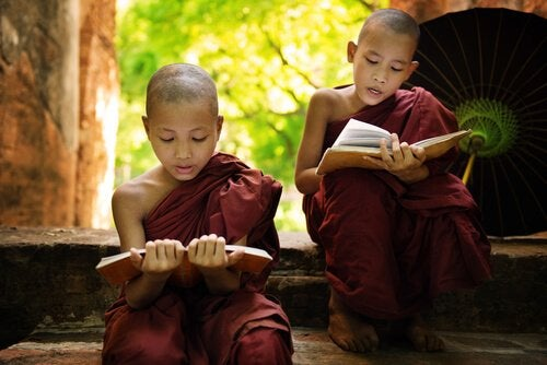 3 Buddhist Stories for Children with a Wise Message