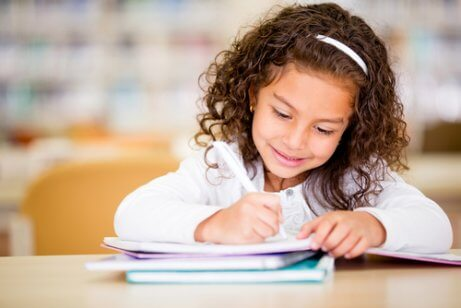 7 Ways to Encourage Creative Writing in Children