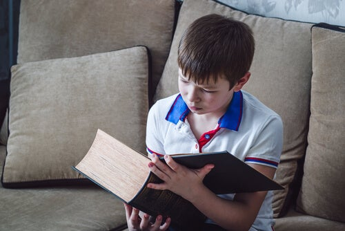 9 Ways to Teach Children to Hate Reading
