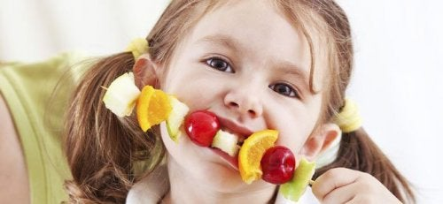 7 Ways to Make Fruit Appealing to Children