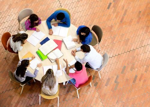 creative schools promote teamwork