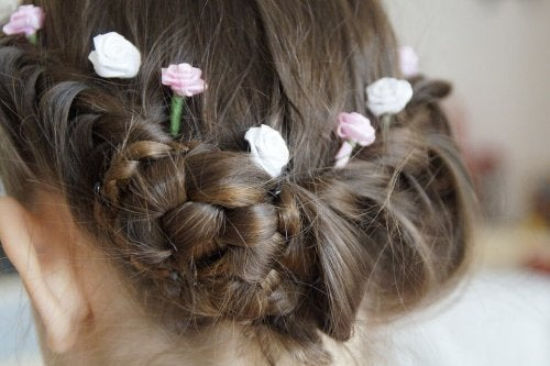4 Hairstyles for Girls With Long Hair