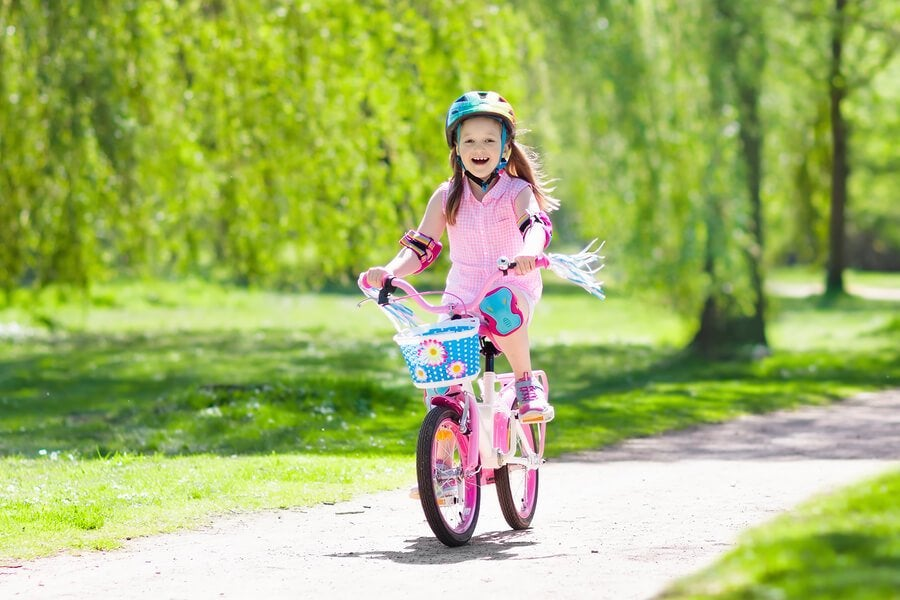 The Benefits of Teaching Children How to Ride a Bike