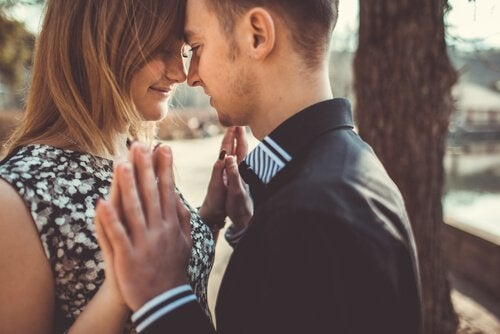 7 Benefits of Marrying Young