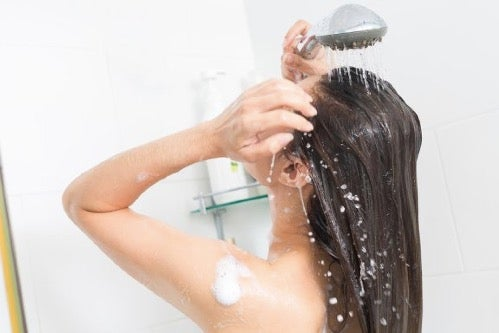 Daily Hair Washing: Learn About the Benefits