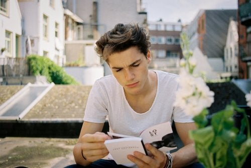 5 Activities That Promote Reading Among Teens