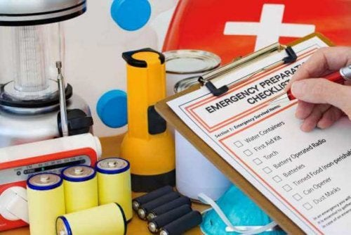 What Should Your Home's First Aid Kit Contain?