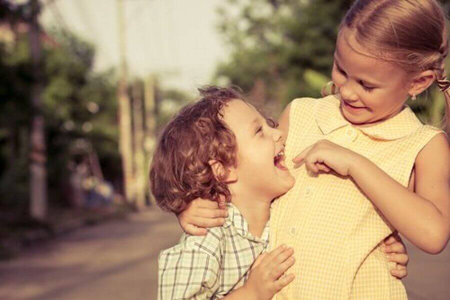 How Do Siblings Influence Children's Sociability?