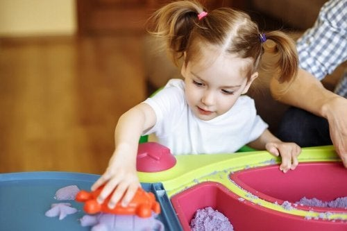 Moldable Sand for Children: A Sensory Game