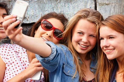 Digital Addiction Among Adolescents: A Guide for Parents