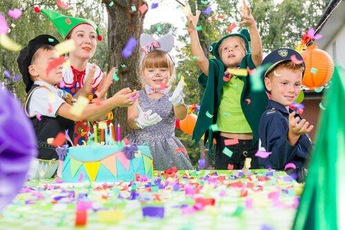 Original Birthday Party Invitations for Children